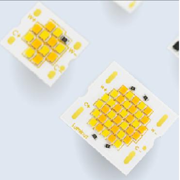 定制调光IC与符合LM80认证光源的集成适配市面绝大多数调光器90 & 97 CRI,3000K-1800K调光92CRI, 4000K-2700K调光两种调光特性,线性变化及模拟卤素灯色容差小于3步,热态分光